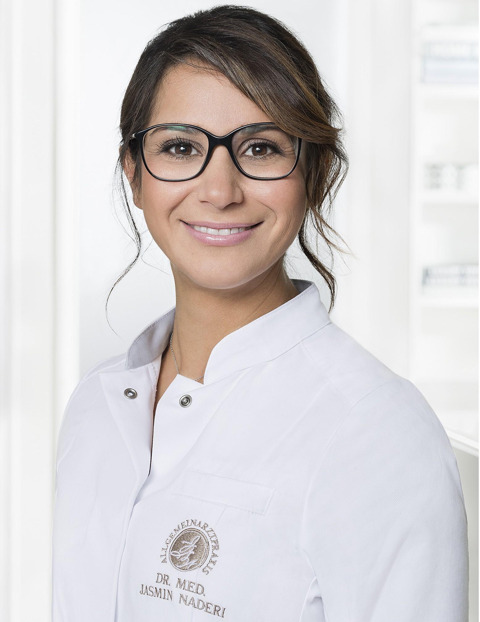 Dr. med. Jasmin Naderi-Wöhler | Praxis und Beratung Hausarztpraxis in den Hamburger Elbvororten